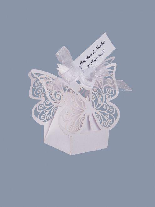 Marturii cutiute nunta fluture alb